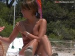 naked_bodies_on_the_beach_-_video_1497.jpg