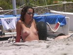 naked_bodies_on_the_beach_-_video_1496.jpg